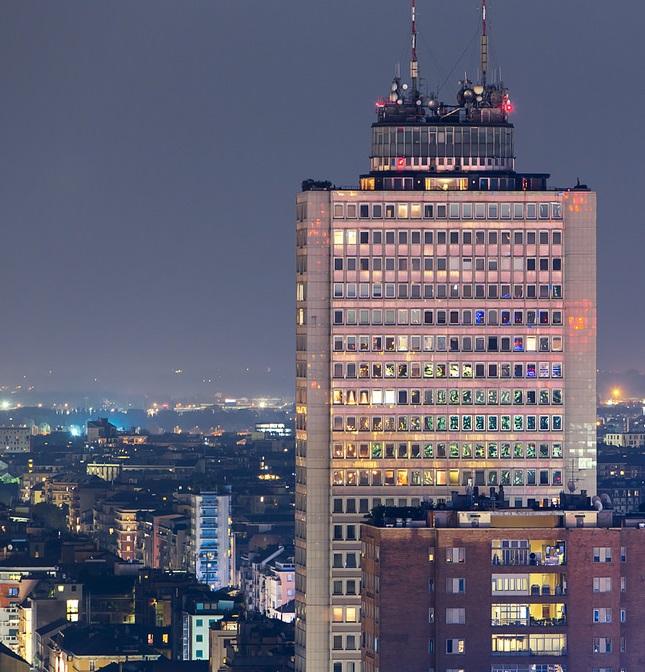 grattacielo breda - Storia della radiotelevisione italiana. Anni '80: Radio Capodistria a Milano