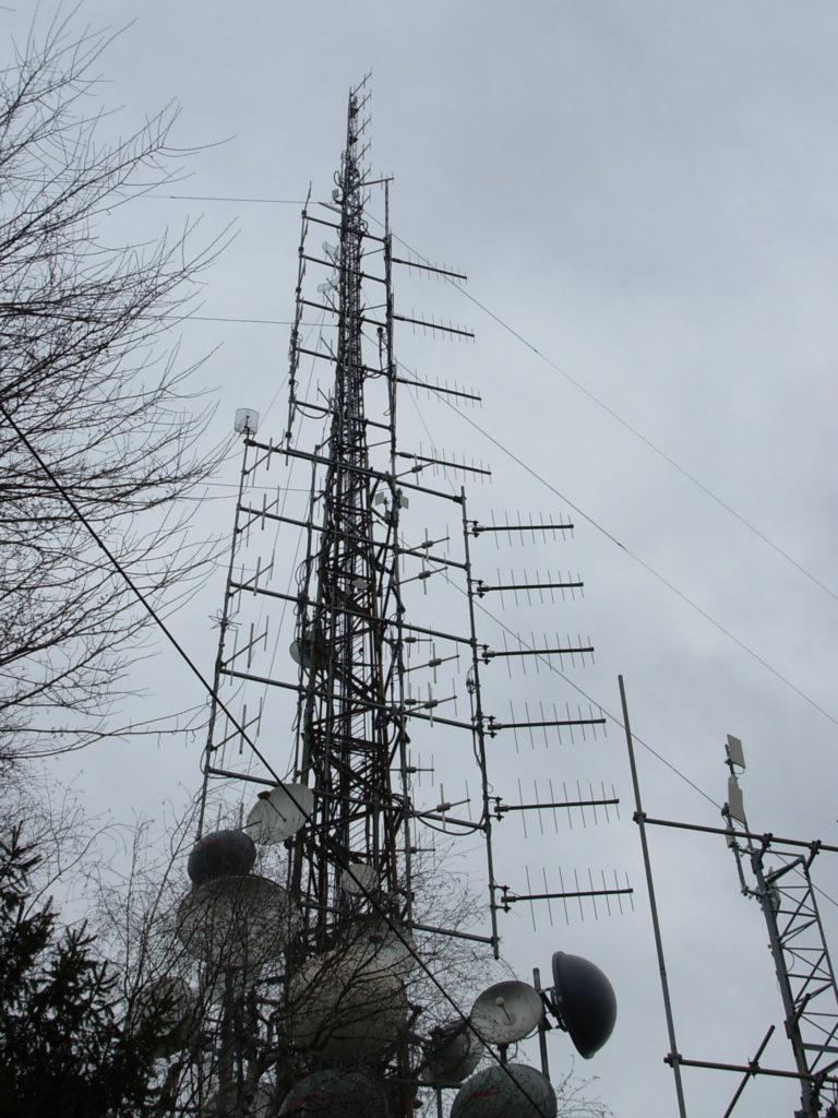 antenne20Monte20Maddalena20Brescia 768x1024 - Elettrosmog, Brescia: esperti a convegno