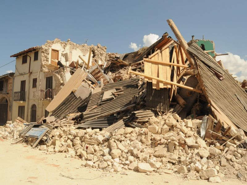 TERREMOTO20ABRUZZO20ONNA - Terremoto, senso civico e umanità da radio locali italiane che trasmettono gratuitamente spot per incentivare aiuti a popolazione abruzzese