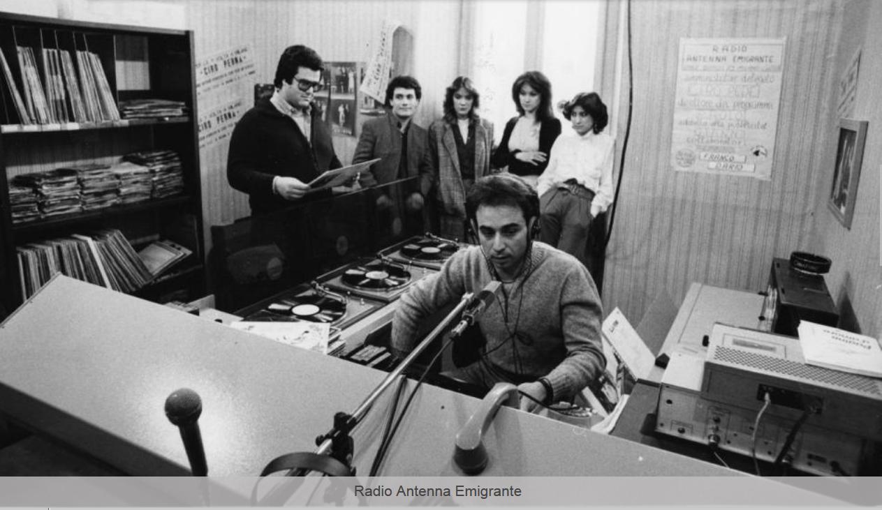 radio antenna emigrante - Storia della radiotelevisione italiana. Milano da bere: da Cosmo 104 a Radio 105 Classics