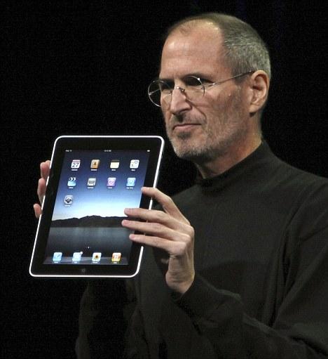 """Jobs20Steve20con20Ipad - Apple lancia iPad. Finisce l'attesa per la """"tavoletta magica"""", ma le prime perplessità hanno già girato il mondo"""