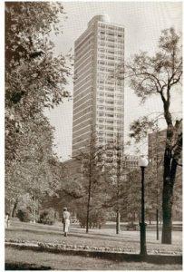 grattacielo breda 203x300 - Storia della radiotelevisione italiana. Tempo Tv e TVL Televisione Libera: le prime tv private. Nel 1956 e 1957!