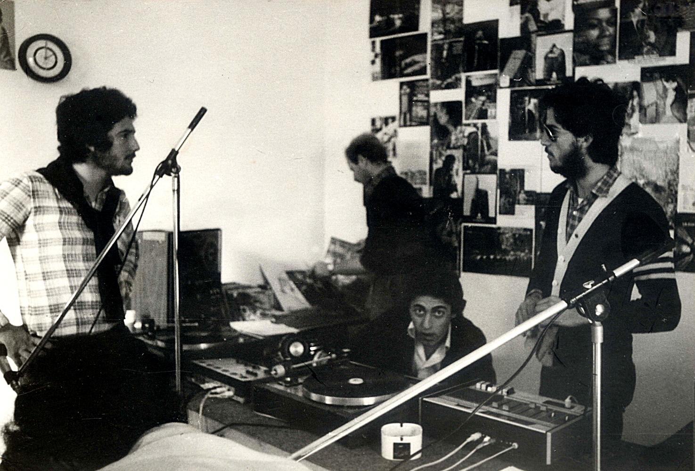 Radio Gela - Storia della radiotelevisione italiana. 1977: prove tecniche per un Piano Nazionale di Assegnazione delle Frequenze. Che attendiamo ancora oggi...