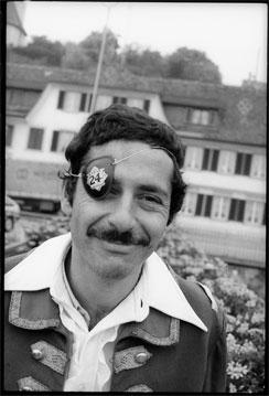 Roger Schawinski - Radio. Svizzera, male raccolta firme di Roger Schawinski contro spegnimento FM: 60.000 su 8,5 mln. Nel 1980 lui ne aveva avute 212.000 su 6,3