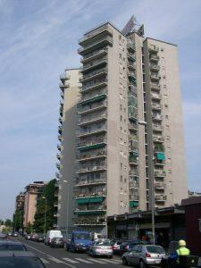 Torre Via Don Rodrigo Milano 225x300 - Storia della radiotelevisione italiana. Milano, Europa Radio: la prima emittente tematica italiana