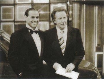 Silvio Berlusconi e Mike Bongiorno anni 80 - Tv. Loro: Berlusconi secondo Sorrentino. Tra eccessi e solitudini lo spaccato di un'epoca