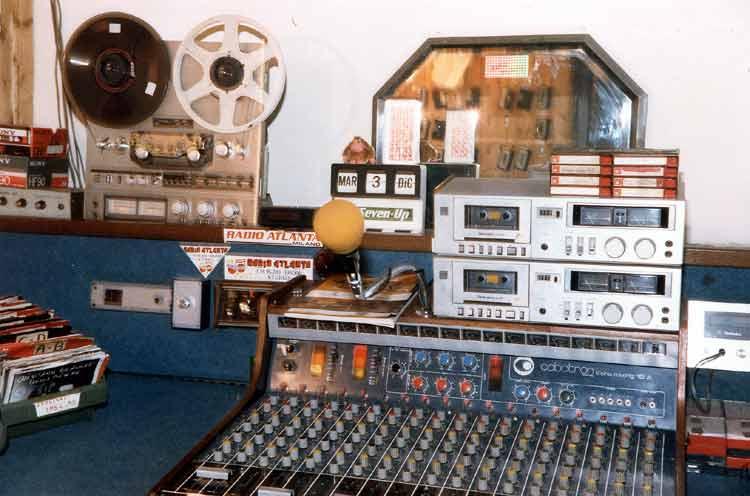 Radio Atlanta Milano - Storia della radiotelevisione italiana. Milano, 1975-1980: tripudio della radiofonia effimera