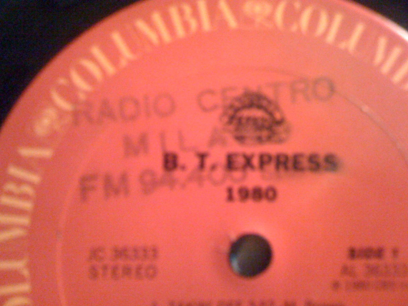 Radio20Centro20Milano vinile 1 1 - Storia della radiotelevisione italiana. Milano, 1975-1980: tripudio della radiofonia effimera