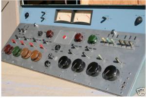 """mixer radio broadcast fader a rotazione 300x202 - Storia della radiotelevisione italiana. Milano, 1979: Vip Radio, """"la tua discoteca in FM"""""""