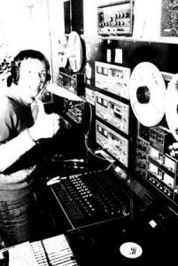 Foxy John Radio Luna light 201x300 1 - Storia della radiotelevisione italiana. Radio Elle: quando a Roma, nel 1975, si pensava in grande
