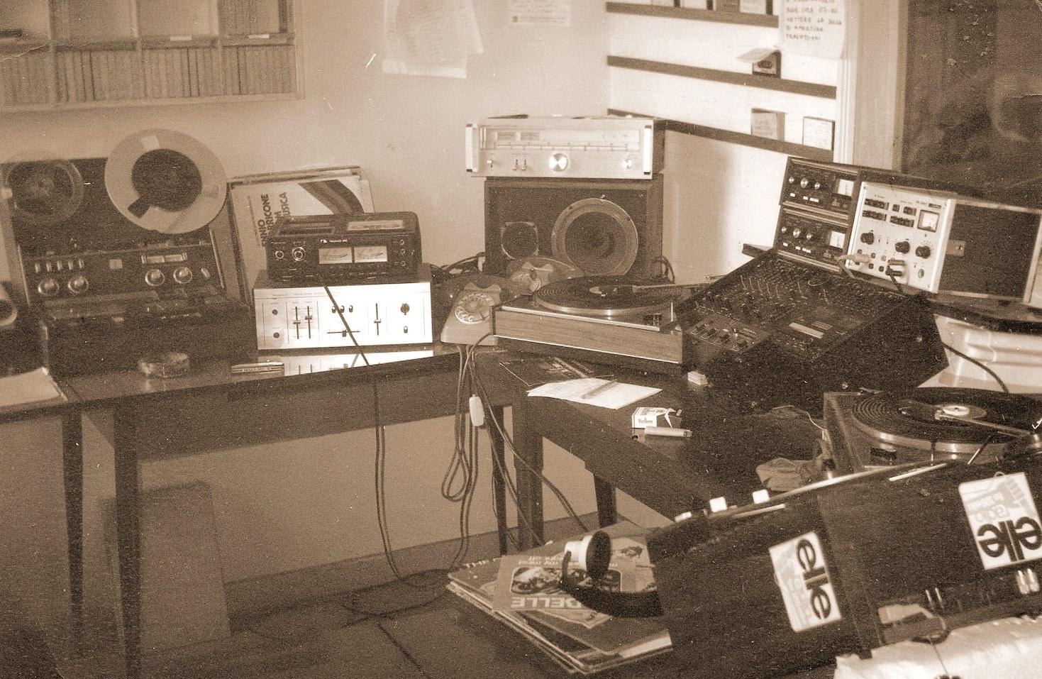 Radio Elle Chieti studio - Radio. Il viaggio di Enzo Mauri tra i protagonisti delle emittenti libere degli anni '70 e '80