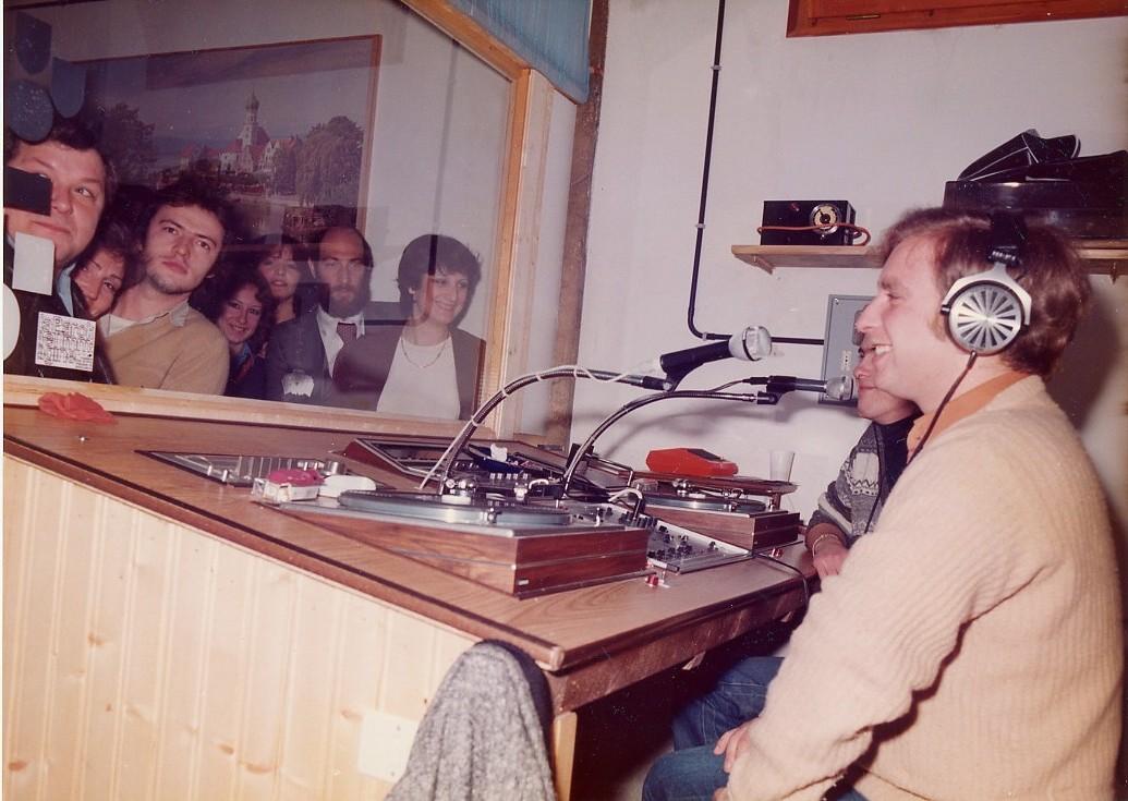 """Radio Venezia Sperimentale - Storia della radiotelevisione italiana. Veneto, 1982, Radiosette: """"di radio in meglio"""". Nascita della prima syndication regionale veneta"""