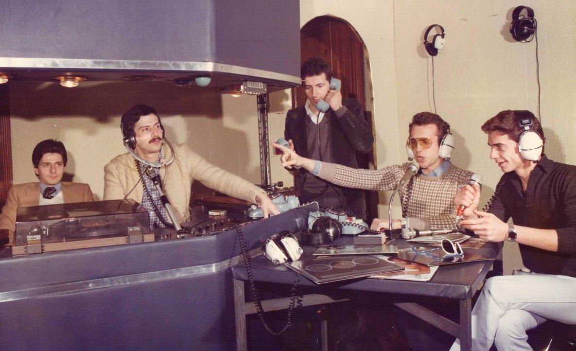 Radio Genova International - Storia della Radiotelevisione italiana. Novembre 1975: 86 radio libere riunite a Firenze per il primo censimento radiofonico italiano