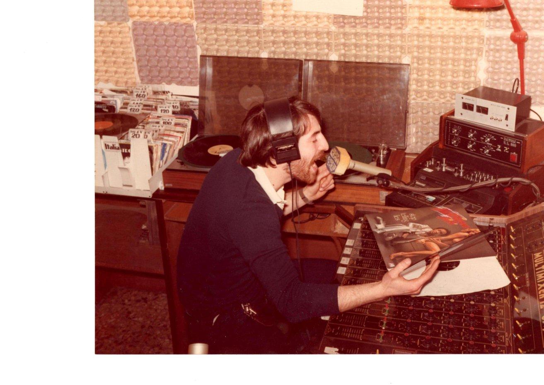 radio palmanova - Storia della Radiotelevisione italiana. Novembre 1975: 86 radio libere riunite a Firenze per il primo censimento radiofonico italiano