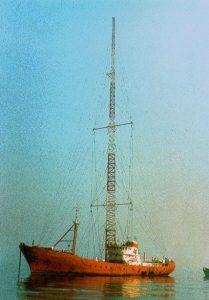 Radio Veronica revenge 209x300 - Storia delle radiotelevisione italia. 1968: Radio delle Rose, prima stazione offshore italiana