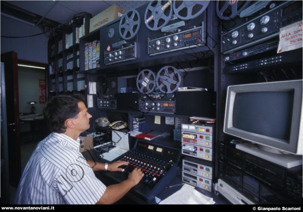 Radio Studio 105 regia automatica - Storia della radiotelevisione privata italiana. Ginevra 1984: apocalisse annunciata delle radio italiane
