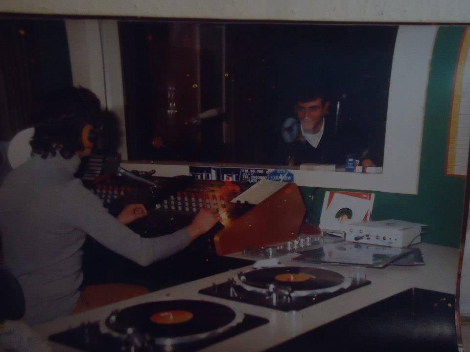 Radio Music 100 1 - Storia della Radiotelevisione italiana. Bollate (Milano): Radio Caroline, un'esistenza all'ombra di Music 100