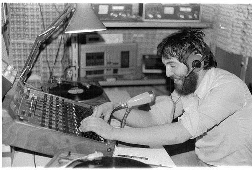 radio supermilano  1978 - Storia della Radiotelevisione italiana. Dicembre 1975: nasce Radio Supermilano, partecipata da Silvio Berlusconi
