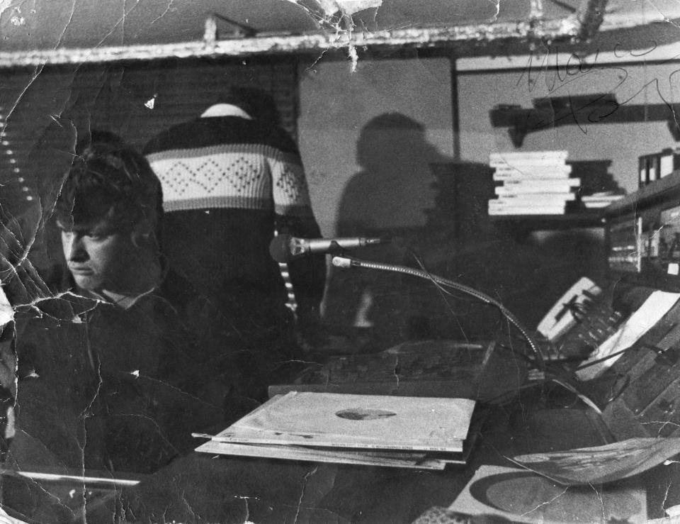 Radio Punto Stereo Mauro Magni Tosi - Storia della radiotelevisione italiana. Da Radio Villa Briantea a Radio Città di Milano passando per Radio Veronica