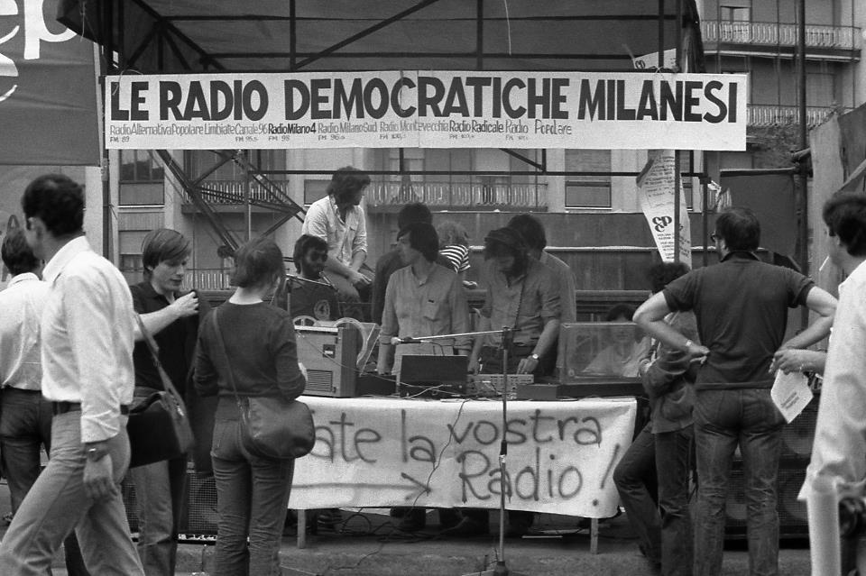 radio democratiche di milano - Storia della radiotelevisione italiana. 1977: la presa di Milano di Radio Radicale