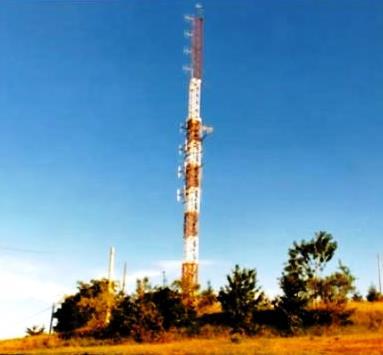 Radio Risposta antenne particolari 3 - Storia della radiotelevisione italiana. Emilia Romagna, 1977: nasce Radio Risposta (Modena)