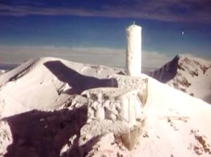 radio Mont Blanc antenna innevata 300x223 1 - Storia della radiotelevisione italiana. Radio Mont Blanc: dalla Val d'Aosta alla conquista della Francia