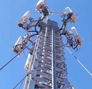 Antenna20341 300x290 - Tlc, 5G. Selezionati i progetti vincitori per le 5 città della sperimentazione