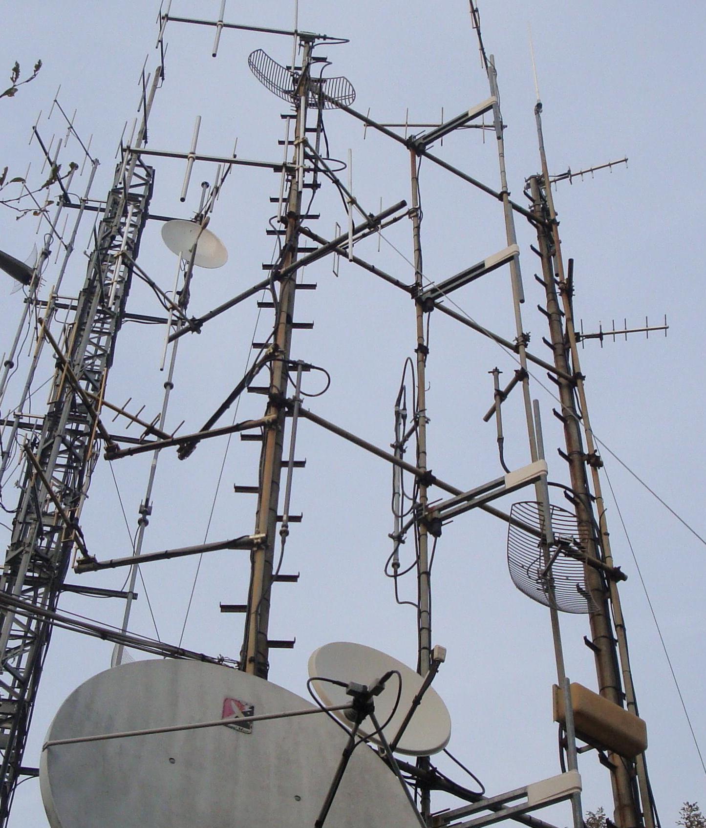 antenne20FM20Cornizzolo1 - Radio e Tv. Lazio, Cds decide su Monte Cavo (Rm): via le antenne. Ricorso respinto