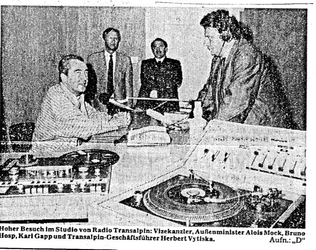 RTA Radio TransAlpin 3 - Storia della radiotelevisione italiana. Südtirol, Radio M1: Keep on rockin' in salsa tedesca