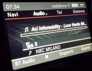NBC Milano by Mercedes 300x233 - Radio 4.0. Ellis (già tecnologo Ford): broadcasters devono controllare cruscotto auto. Ford ha già soppresso CD a favore di streaming radio
