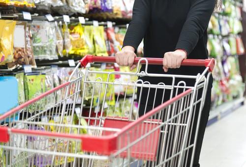 consumi - Società ed economia. GFK: in Italia ancora pessimismo sui consumi