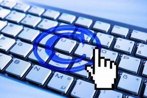 diritto autore 300x200 - Copyright. Condannata Break.com: risarcimento di 115 mila euro a Mediaset