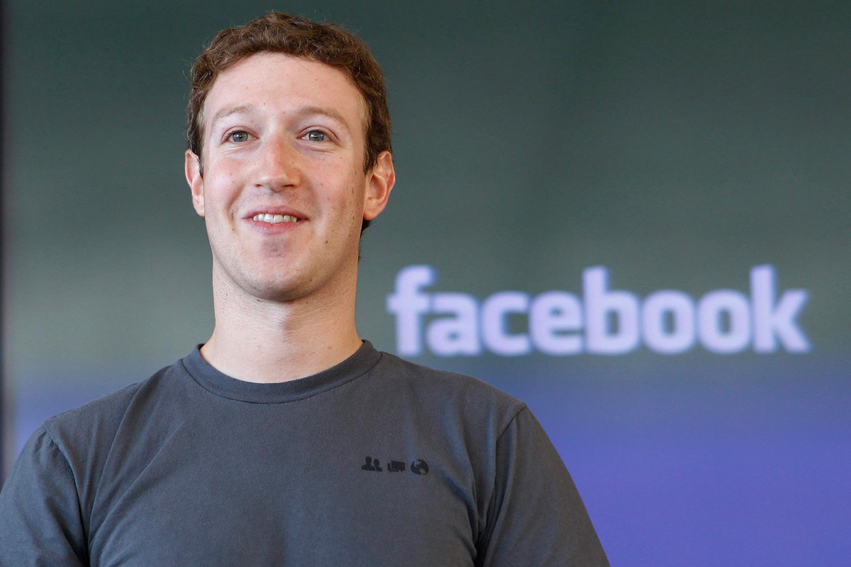 Zuckerberg Facebook - Web e pubblicità. Facebook: 8 mld di dollari di ricavi nel primo trimestre. Raccolta in forte crescita