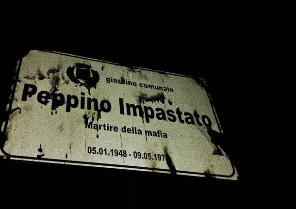 impastato peppino targa - Giornalismo. Danneggiata la statua di Peppino Impastato (Radio Aut) a Legnano. UNCI: s'indaghi