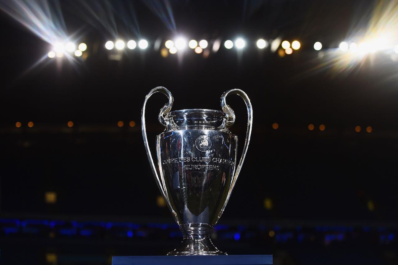 champions league trophy - Diritti tv. Sky saccheggia l'Europa aggiudicandosi entrambe le competizioni Uefa