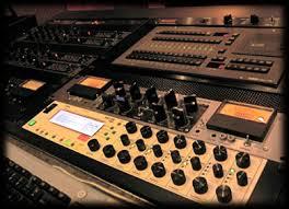 mastering strumentazione - Radio, web, supporti e musica. Perché mastering differenti?