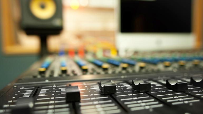 mixer - Radio, web, supporti e musica. Perché mastering differenti?