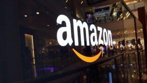 amazon 300x169 - Web & GDO. Con Amazon (ma non solo) la spesa arriva a casa. Si moltiplicano i servizi dell'e-commerce. Ecco perchè radio e tv saranno della partita