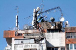 antenne grattacielo ferrara crollo 300x200 - Radio. Quando il decentramento degli impianti FM non funziona: a Ferrara scoppia il caso