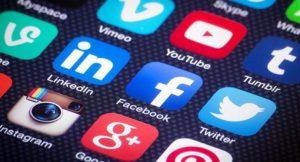 pubblicita online social media 300x162 - Media. Relazione Agcom 2017: tornano a crescere Radio e Tv. IP mobile al 99% in 3G e 90% in 4G. DAB al 43%. DTT in H264 per 20%