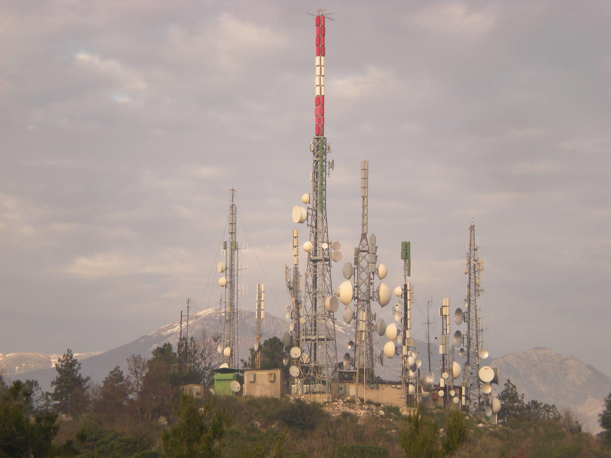 Antenne FM e UHF Monte Alatri FR - Tlc e media. Rapporto Agcom: anche nel 2017 Sky primo operatore. Seguono Mediaset e poi RAI