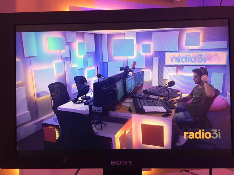 Radio 3i radiovisione studio - Radio 4.0. Anche in Svizzera parte la radio ibrida. Radio 3i in FM, DAB+, IP e radiovisione