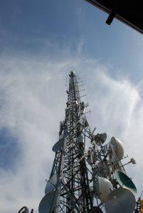 antenna FM Monte Misma Bergamo 201x300 - Radio e Tv locali, contributi. CdM approva Regolamento su criteri riparto tra beneficiari e procedure erogazione. Fuori i piccoli