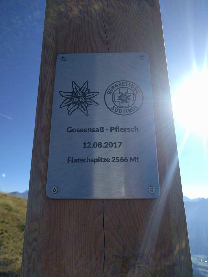 Flatschspitze - Storia della Radiotelevisione Italiana. Radio Isarco International: un piede in Italia, l'altro in Austria