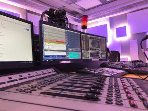 Radio 3i studio 1 300x225 - Radio digitale. In Svizzera sale al 57%, anche se gli utenti non smettono di usare quella tradizionale