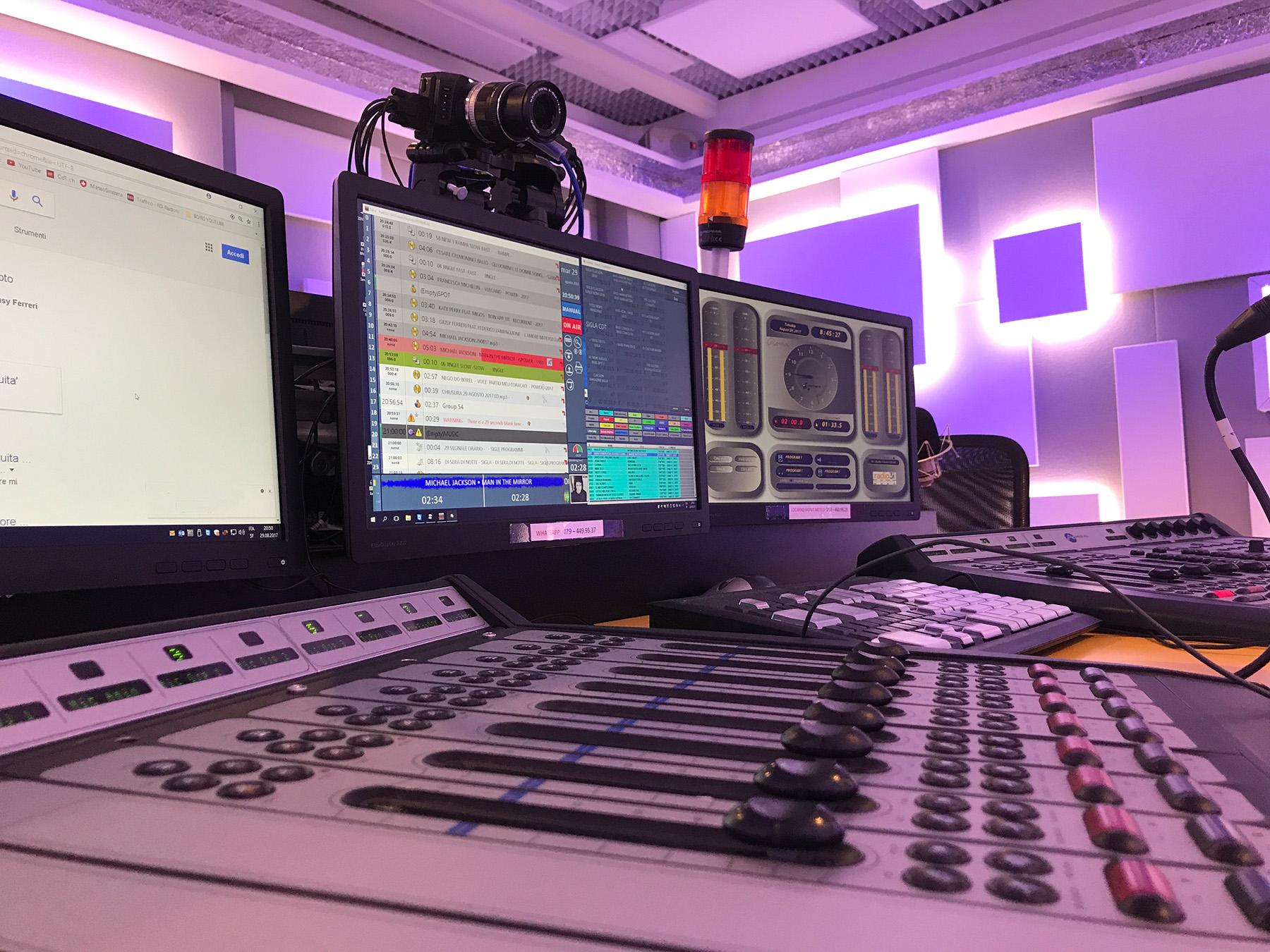 Radio 3i studio 1 - Radio. La musica liquida ha spento quella ribelle? Non rinasce sul web la passione dei pionieri dell'etere
