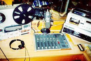 Radio Eisack studio 2 300x201 - Storia della Radiotelevisione Italiana. Radio Isarco International: un piede in Italia, l'altro in Austria
