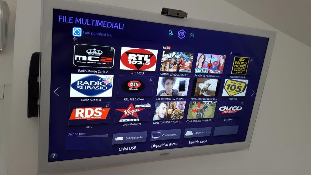 """TuneIn smart tv samsung 3 1024x576 - Radio on Tv. Le smart tv """"consigliano"""" le radio. Ecco come emergeranno i più forti nell'era 4.0"""