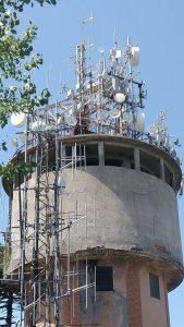 antenne FM UHF e varie coacervo 169x300 - Radio e Tv. Operatori all'IBC: l'IP non è più futuro ma presente. Finite le scuse per attendere l'introduzione in ogni area del broadcasting