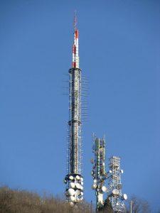 antenne FM e UHF Monte Cero Baone PD 225x300 - Radio e Tv. Operatori all'IBC: l'IP non è più futuro ma presente. Finite le scuse per attendere l'introduzione in ogni area del broadcasting